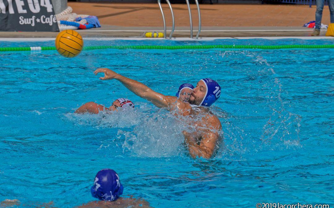 El Waterpolo Tenerife se quedó a poco de sumar su primera victoria en Liga